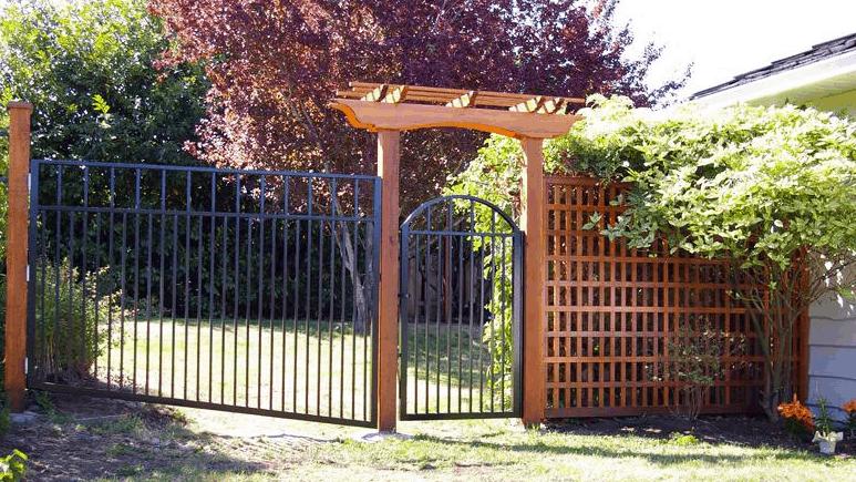 Cedar Fence with Aluminum Gate Vancouver