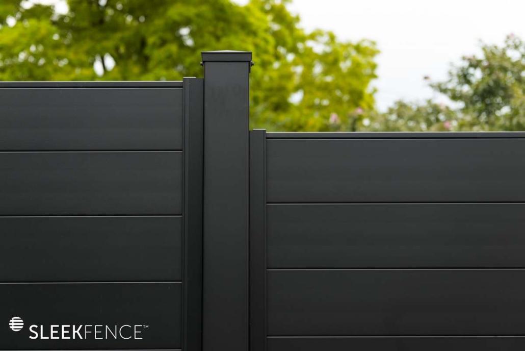Sleek horizontal aluminum privacy fence - 2
