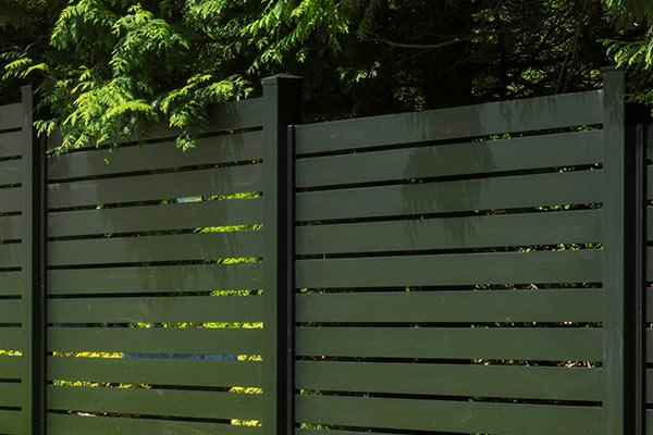 Sleek-horizontal-aluminum-semi-privacy-fence-panel-01